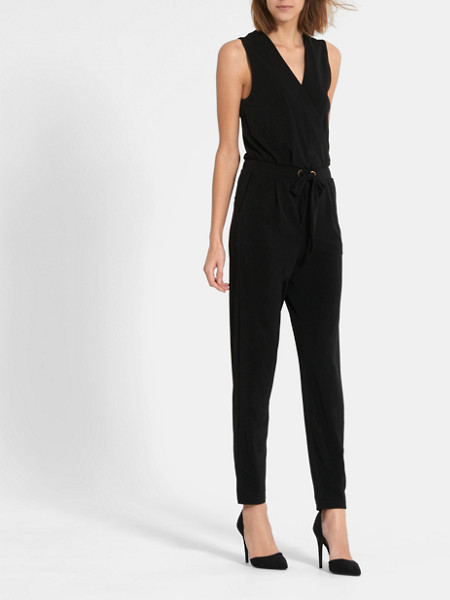 v-hals-jumpsuit--293173-black_mdfront3-cos